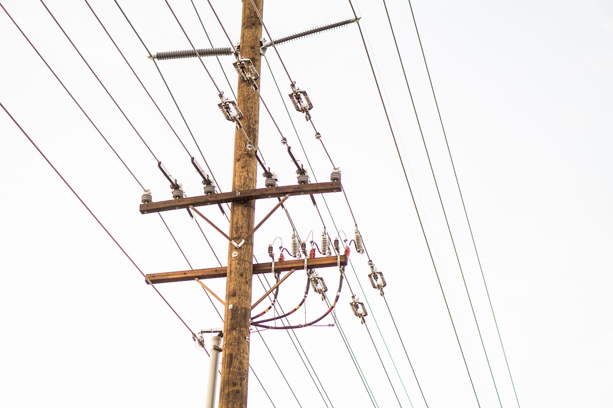 Энергосистемы высокого напряжения постоянного тока в сравнении с энергосистема...