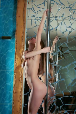 Фоточки девушек голых