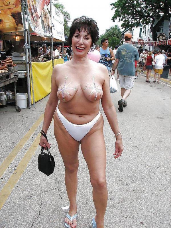 fucks-guys-fat-women-exposing-themselves-in-public