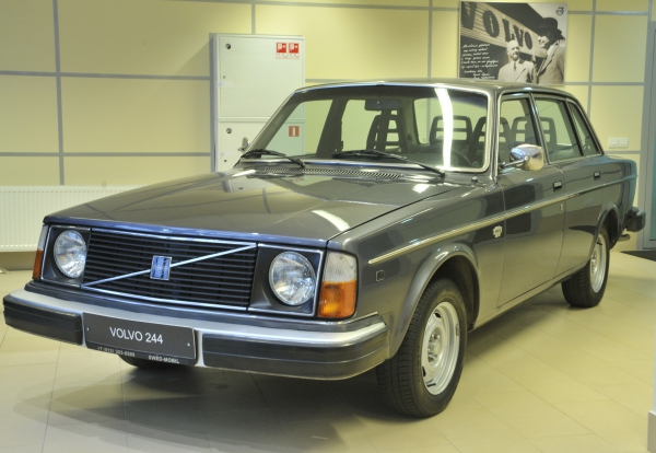 Volvo_244_в_Свид-Мобиль.jpg