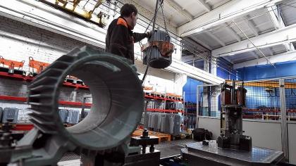 Промышленность поддержали холод и склад