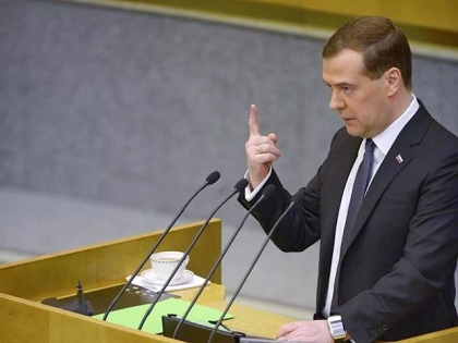 Медведев анонсировал запрет на импорт высокотехнологичной продукции