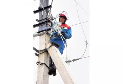 Сотрудники Оренбургэнерго проверили электросчетчики в Новосергиевском районе Оренбургской области
