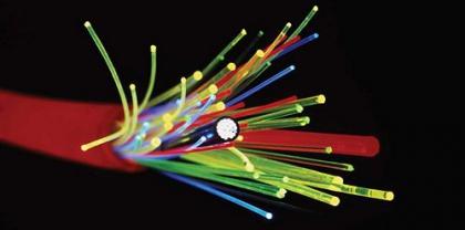 Напечатанное оптоволокно лучше справляется с передачей данных
