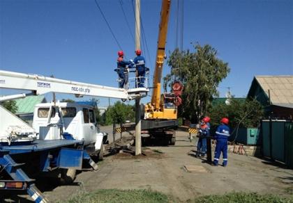 Энергетики филиала Оренбургэнерго готовят к зиме электрические сети Тюльганского района