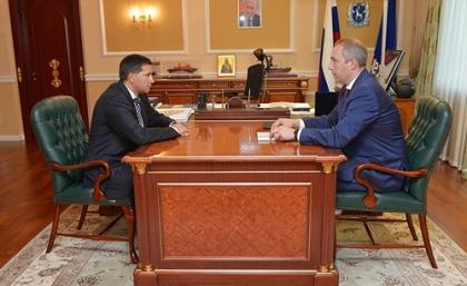 Сергей Савчук и Дмитрий Кобылкин обсудили развитие энергетики ЯНАО