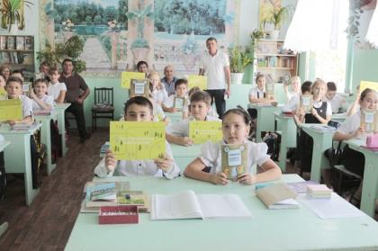 Более 200 школьников узнали о правилах электробезопасности от энергетиков Кизляра