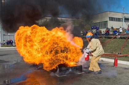 ЛуТЭК в 41-й раз провел соревнования добровольных пожарных формирований