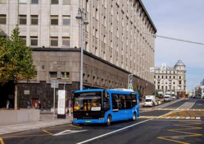 Первый композитный электробус выехал на улицы Москвы