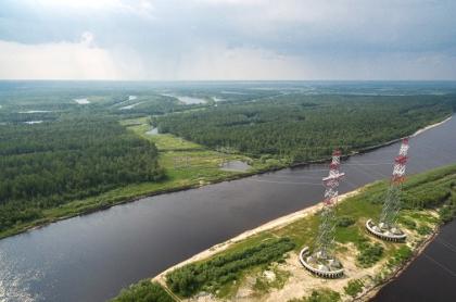 ФСК обновит сигнальное освещение на спецпереходах ЛЭП через реки в Западной Сибири