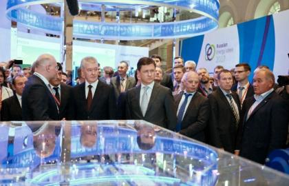 Александр Новак и Сергей Собянин посетили выставочный комплекс Российской энергетической недели