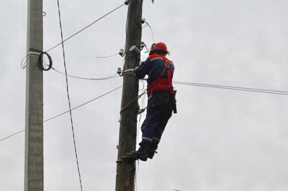Специалисты филиала Оренбургэнерго провели капитальный ремонт ЛЭП по улице Деповской в Оренбурге