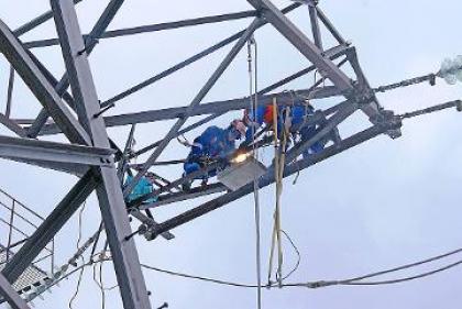 В период подготовки к зиме в Колэнерго отремонтировано более 500 км линий электропередачи