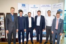 Встреча с представителями Siemens AG на заводе «Изолятор», слева направо: Ярослав Седов, Максим Загребин, Маик Рёте, Франк Зелбигер, Искрен Цеков и Александр Знаменский