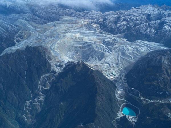 Индонезия получит контрольный пакет крупнейшего медного рудника