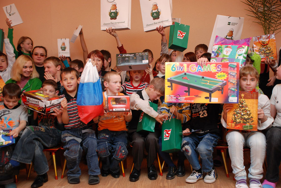 Подарки для детей из детского дома 88