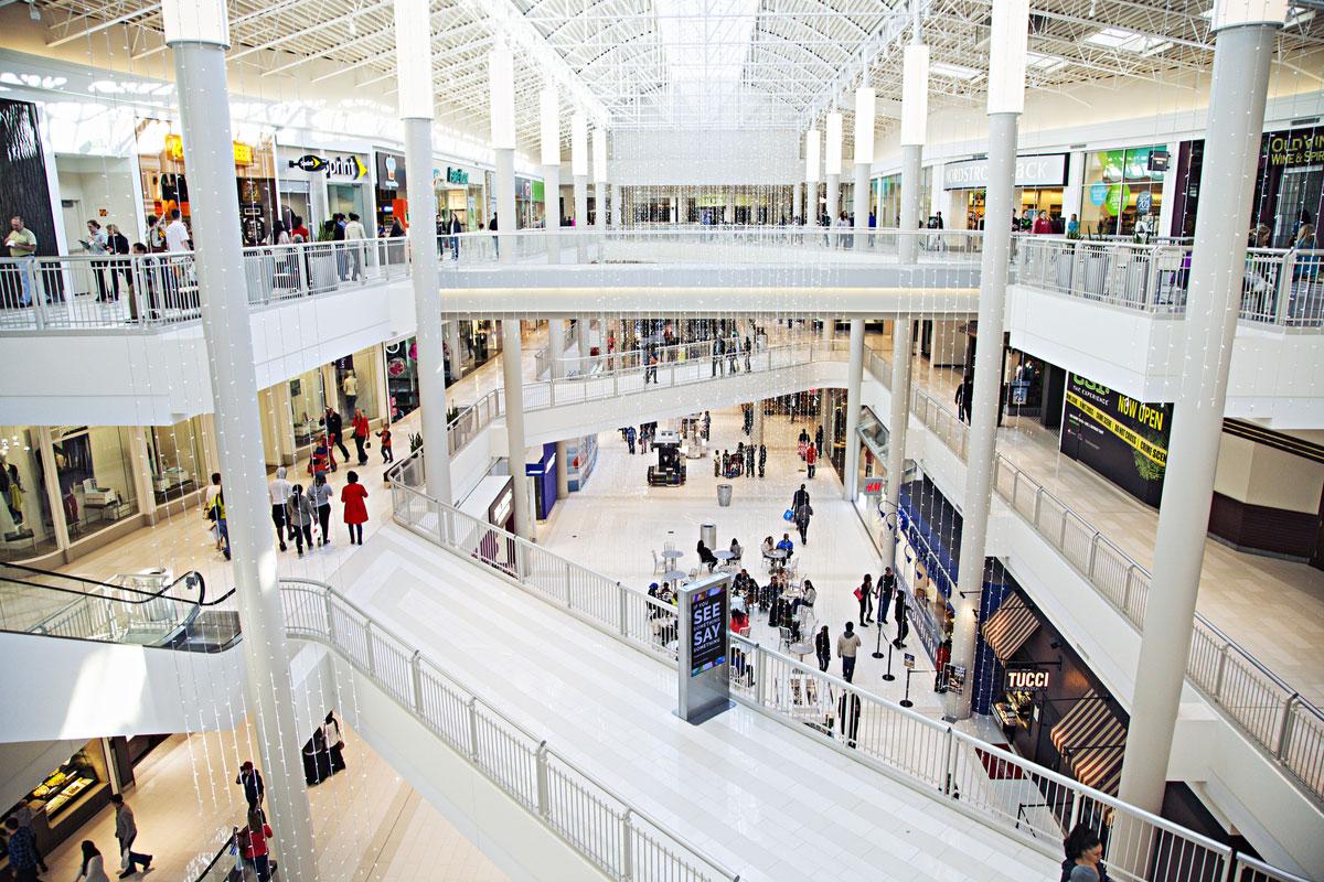 Торговый центр Mall of America полагается на пассивные источники тепла, в том числе и на многочисленных посетителей, несмотря на то, что зимой он достигает минимума -15,5 ° C