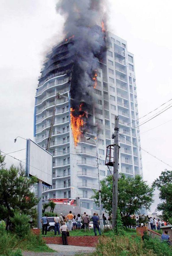 зданий весьма невысок.